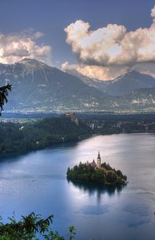El llac Bled és famós per l'illa que té al centre [imatge: Maurice]