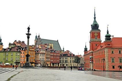 El casc antic de Varsòvia no és pas tan antic; és una reconstrucció després de la Segona Guerra Mundial [foto: Dennis Jarvis]