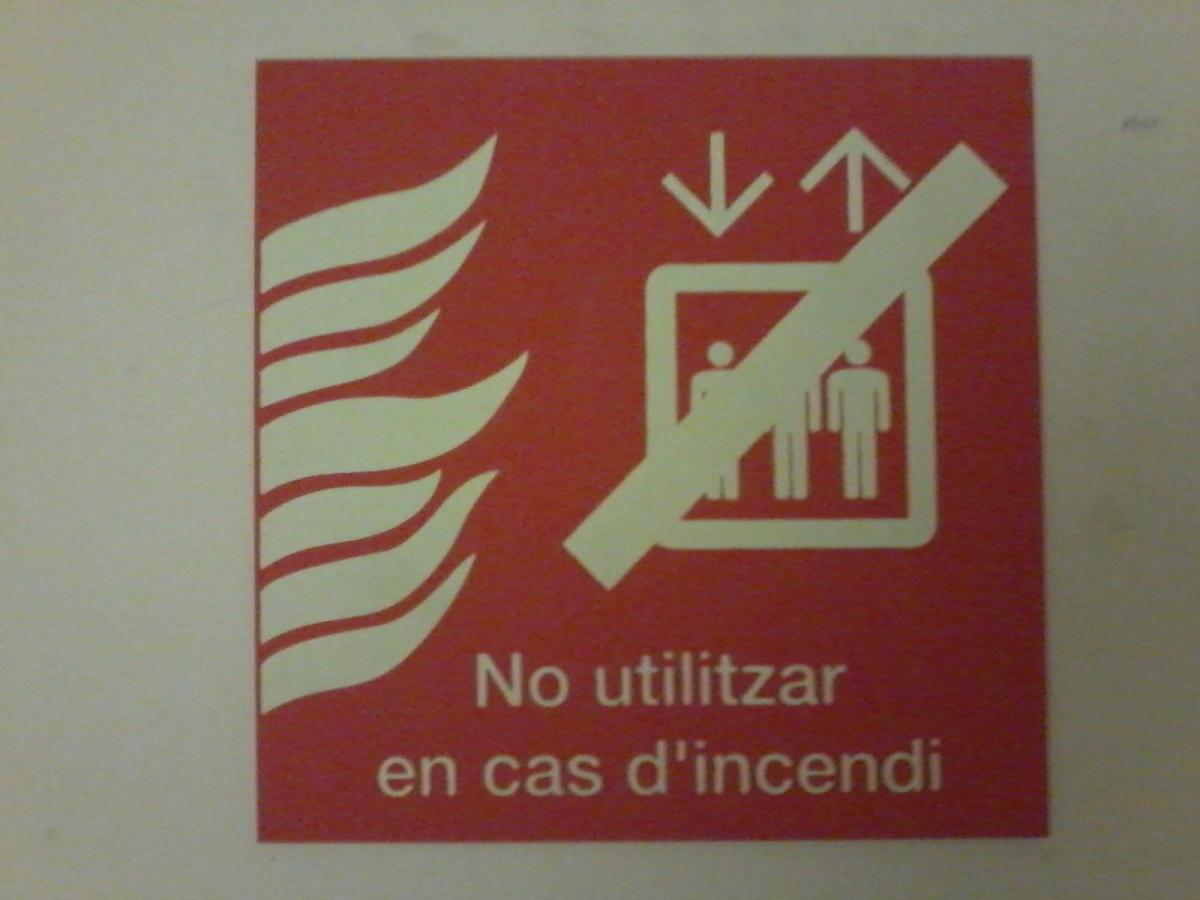 L'infinitiu com a imperatiu? En català, no